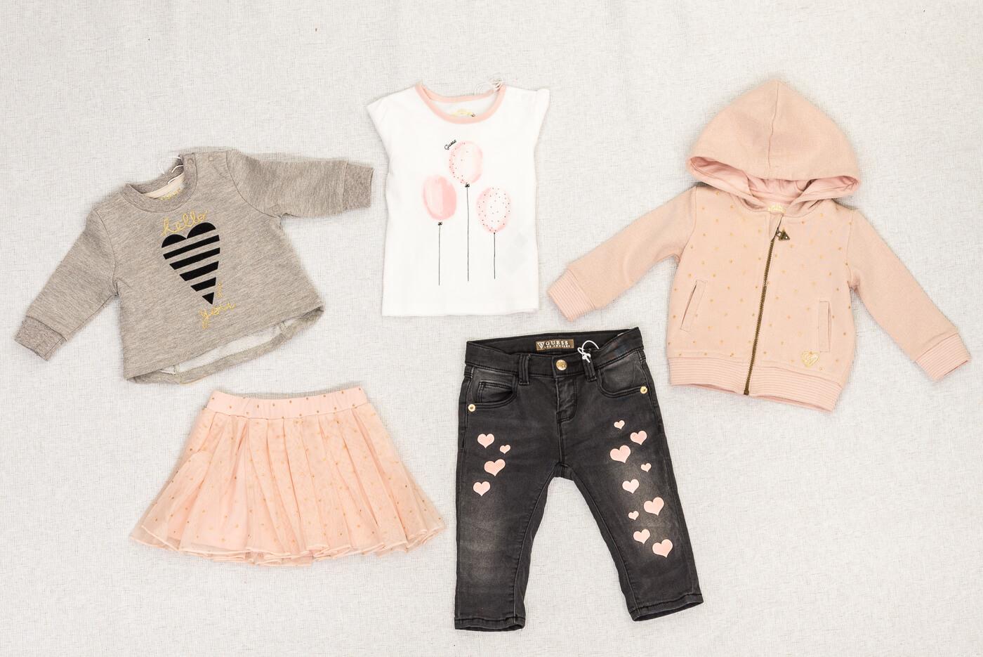 buy popular 507fe 32a3f Abbigliamento bambini Guess a Morbegno | Il Gatto e la Volpe